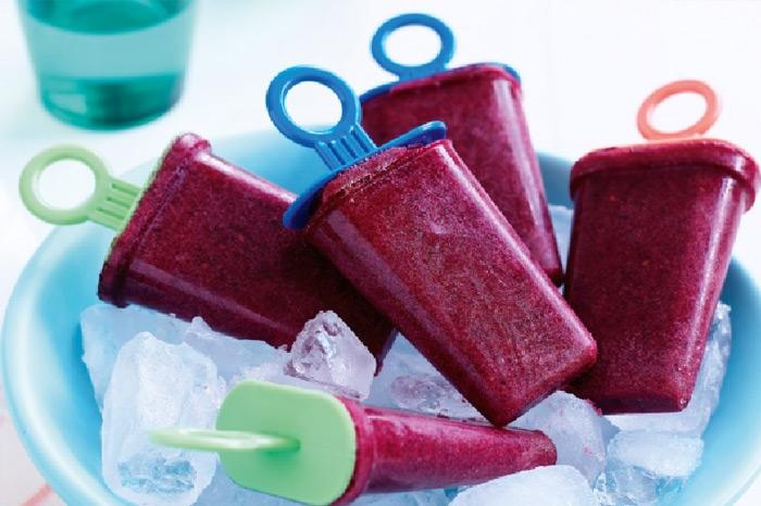 Berry smoothie ice-blocks